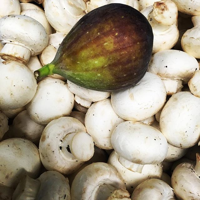 Hmmm. Something that goes well with mushrooms. What could it be? Sweet, tart both? #Theviewpizza  #figs