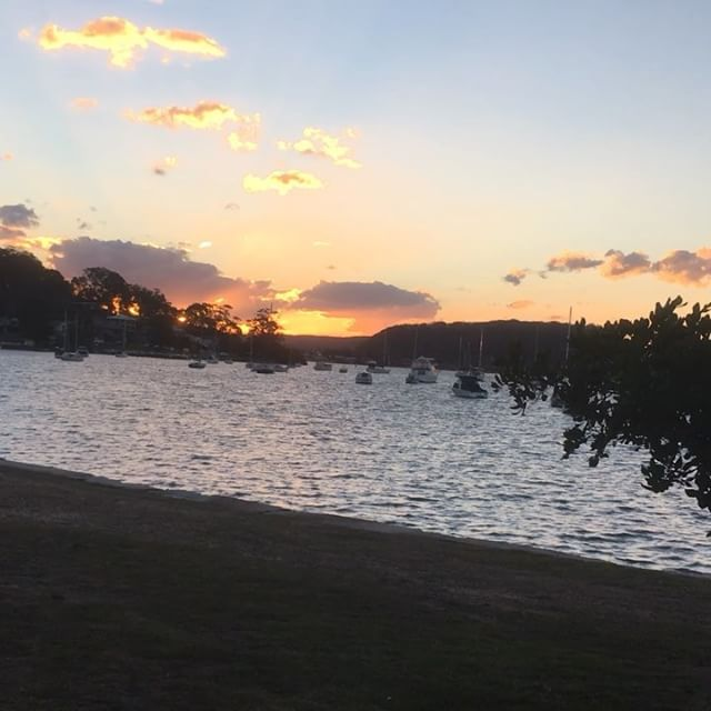 Like a #lavalamp #hardysbay #sunset #theviewpizza